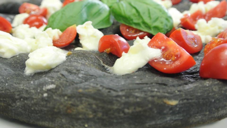 Pizza vegetariana con impasto ai carboni vegetali - Angelo Berardinelli