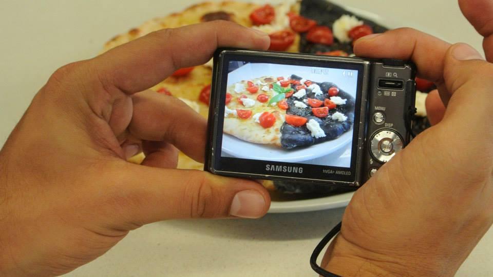 Pizza mista di impasto classico e carboni vegetali - Angelo Berardinelli