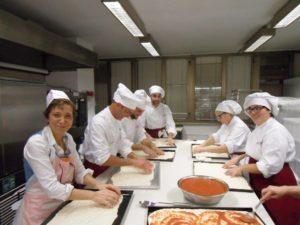 29 Gruppo del corso amatoriale anno 2015 a Tu Chef