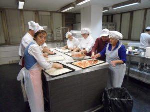 17 Gruppo del corso amatoriale anno 2015 a Tu Chef