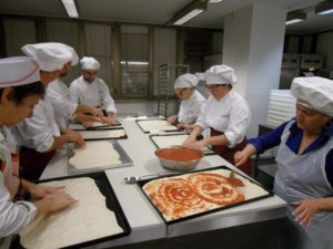 21 Gruppo del corso amatoriale anno 2015 a Tu Chef